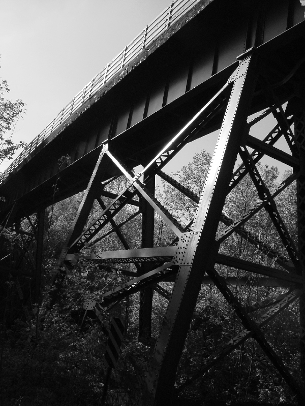 silver comet, rails-to-trails, railstotrails, rails to trails, atlanta, smyrna, georgia, ga, covered bridge, steel, bridge, trestle, bw